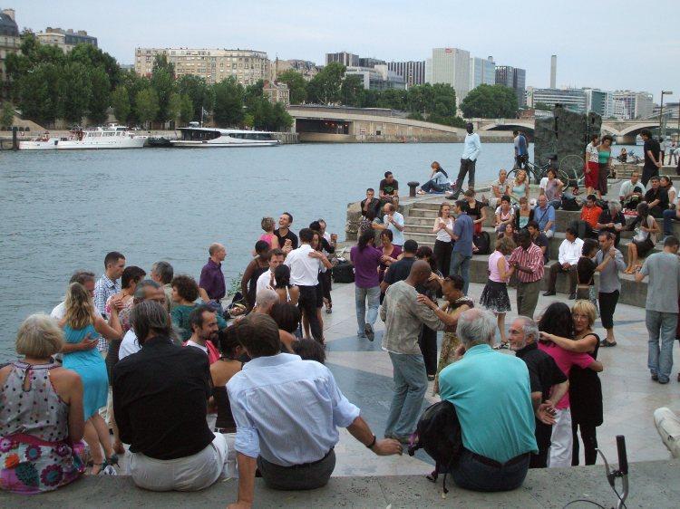 Open-air-dancing